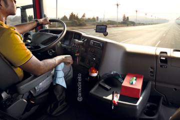 Caminhoneiro não tem direito a danos morais por jornada de trabalho extensa, diz TRT