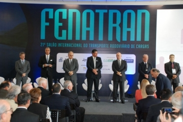 José Hélio Fernandes fala de otimismo e retomada da economia na abertura da 21ª FENATRAN