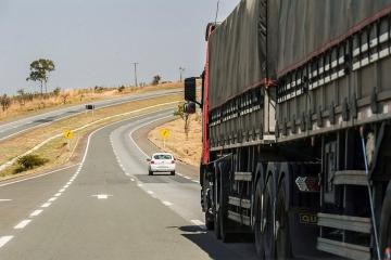 Parecer sobre marco regulatório do transporte rodoviário de cargas pode ser votado na terça