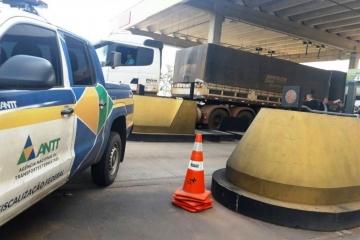 Megaoperação de fiscalização do transporte rodoviário de carga em Cuiabá (MT) já fez mais de 40 flag