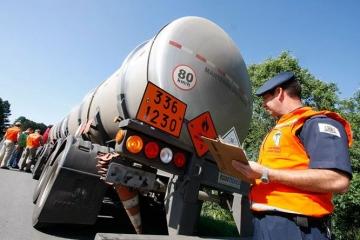 Novas regras para transporte de produtos perigosos começam a valer em 16 de dezembro