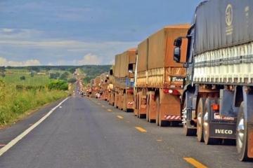 Alta do preço de combustíveis pressiona custo operacional dos transportadores
