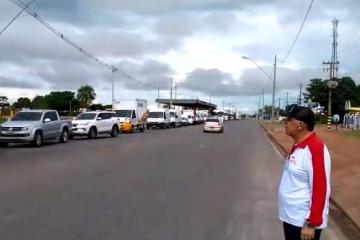 Transportadores participam de carreata a favor de Bolsonaro