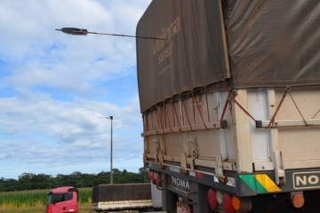 BR-364: Indígenas atacam caminhoneiros a flechadas em Mato Grosso