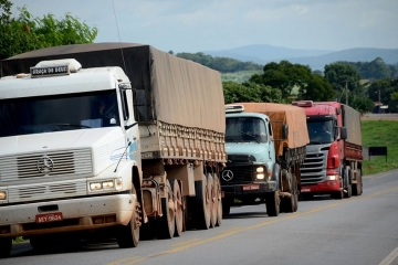 Congresso debate frete mínimo para caminhoneiros