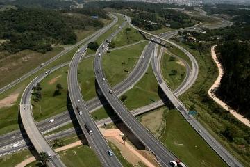 Usuário pode obter condições de tráfego do Sistema Anhanguera-Bandeirantes por telefone e pela inter
