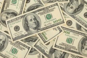 Com crise na Turquia, dólar tem alta e chega a R$ 3,88; Bolsa sobe