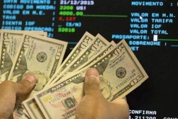 Pela sexta vez consecutiva, dólar opera em alta: R$ 4,0732