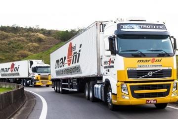 Caminhões esperam em média 3h20 em filas para fazer entregas na Grande SP