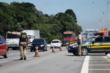 Número de acidentes com caminhões nas rodovias federais cai; mortes aumentam