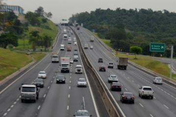 Fluxo de veículos leves apresenta crescimento de 1,8% e o de pesados caiu 1,4%