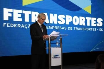 Fetransportes entrega Prêmio Destaque, dá posse à nova diretoria e homenageia empresários do setor