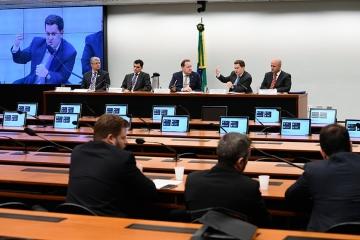 Irregularidades graves em obras de rodovias são debatidas pela Comissão de Orçamento