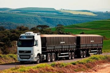 Paraguai revoga decisão que permitia entrada de caminhões bitrem brasileiros