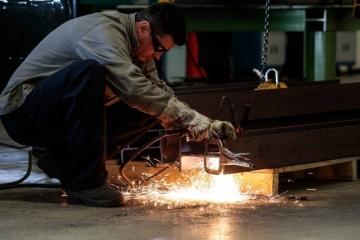 40% da indústria fechou o ano passado em crise