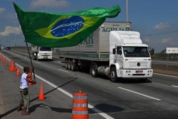 Governo anuncia linha de crédito de R$ 500 mi para caminhoneiros