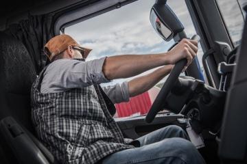 Aplicativo InfraBR lança questionário sobre as condições de saúde dos caminhoneiros