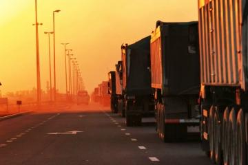 Demanda por transporte rodoviário de cargas no Brasil tem nova melhora, diz DECOPE