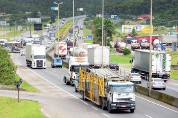 Levantamento aponta que demanda por frete rodoviário recuou quase 30% em abril