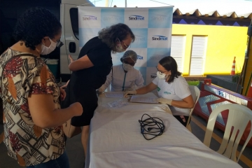 Sindmat e parceiros realizam campanha de vacinação para caminhoneiros