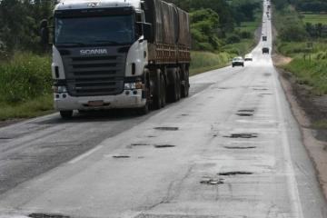 Empresa terá que pagar mais de R$ 350 mil por excesso de peso em caminhões