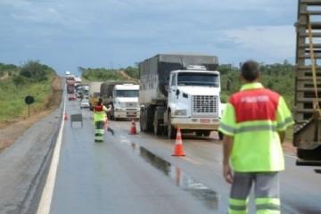 Atenção! Operação de tráfego no sistema 'Pare e Siga' na BR-364 em Jaciara