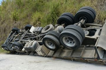 Mais de 280 mil acidentes tiveram relação com a saúde dos motoristas desde 2014